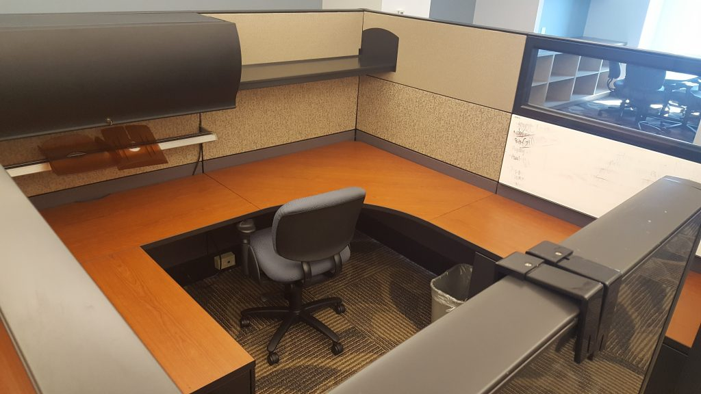 20160812 110109 1024x576 1 - Pre-Owned-Cubicles