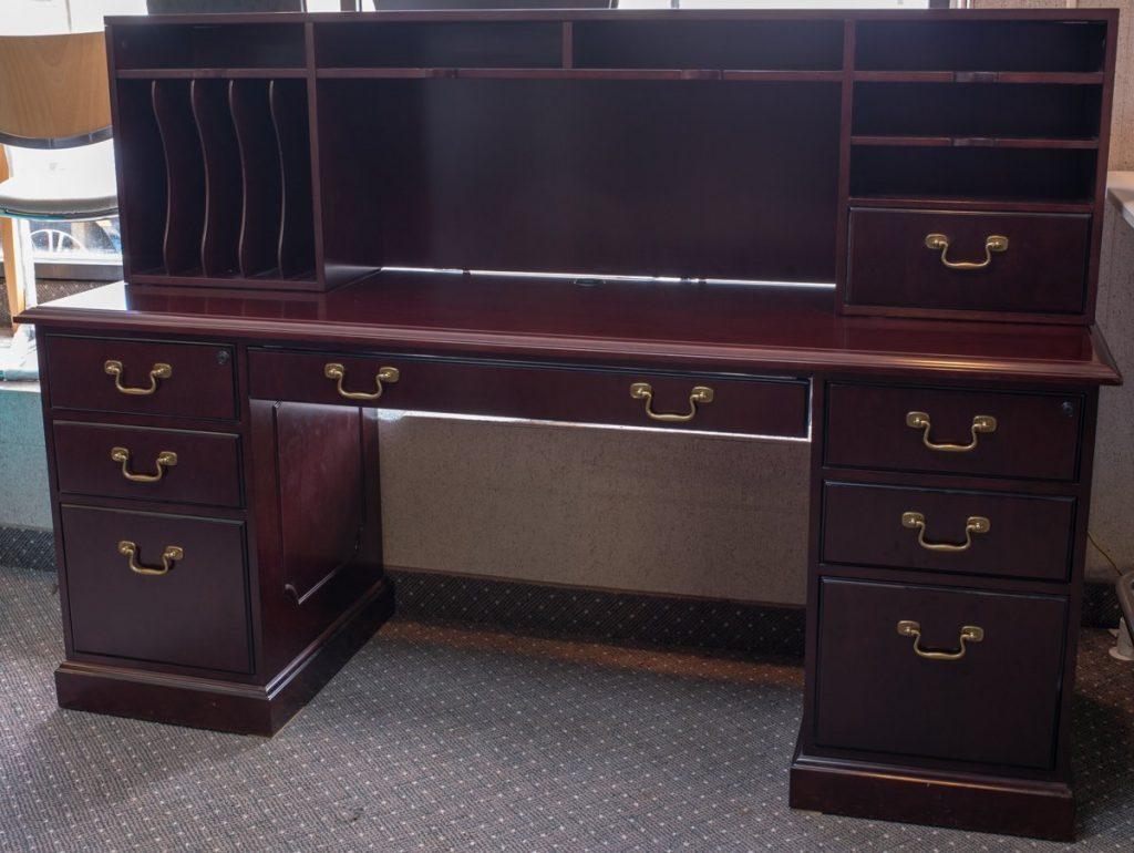 DSC7869 1024x770 1024x770 1 - Pre-Owned-Desks