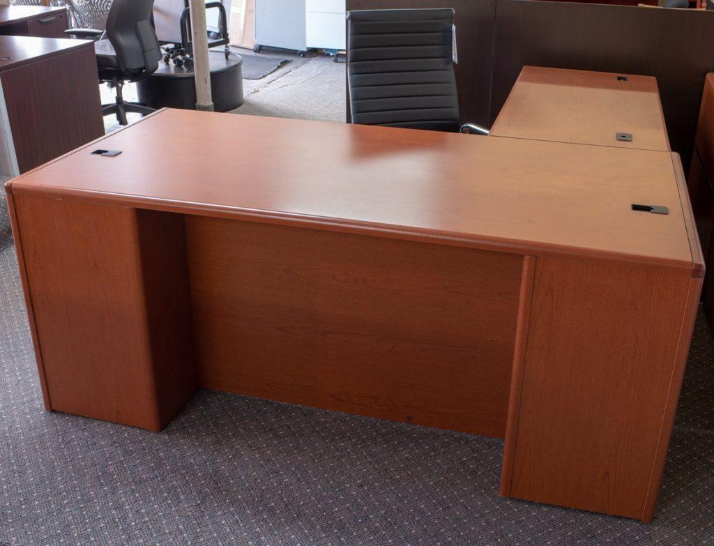 DSC7883 1024x783 1024x783 1 - Pre-Owned-Desks