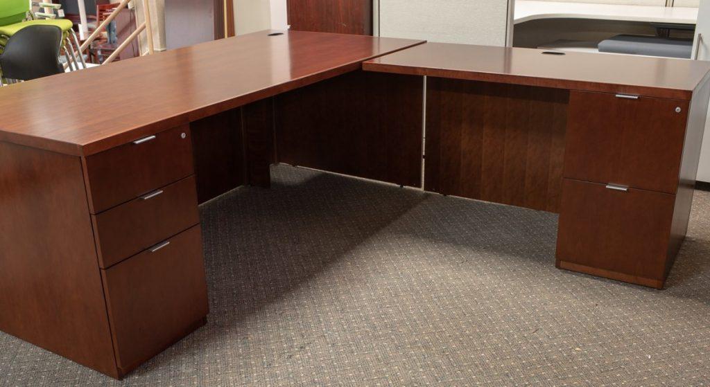 DSC7910 1024x559 1024x559 1 - Pre-Owned-Desks