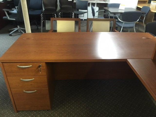 IMG 3155 - Pre-Owned-Desks